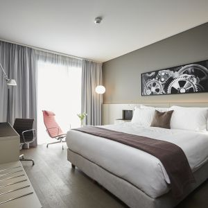 http://www.moderntimes-hotel.ch/application/files/thumbnails/thumb_list_2x/5314/8767/1309/chambre_superieure.jpg