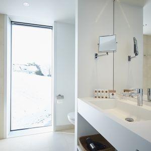 http://www.moderntimes-hotel.ch/application/files/thumbnails/thumb_list_2x/7414/5855/3933/salle_de_bains_luxe.jpg