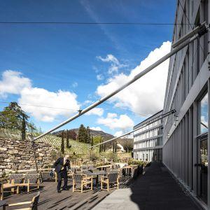 http://www.moderntimes-hotel.ch/application/files/thumbnails/thumb_list_2x/9514/7462/1096/cote_terasse3.jpg